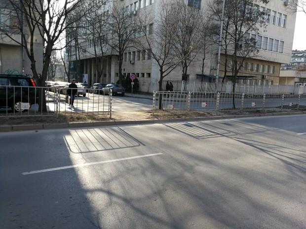 Преди няколко месеца Община Варна постави предпазен парапет на бул.