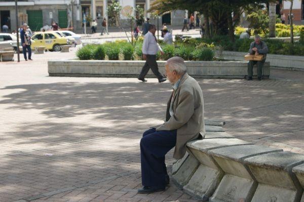 Изплащането на пенсиите за месец април от Националния осигурителен институт