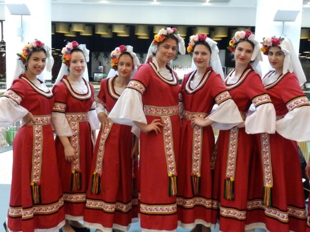 Снимка: Колоритен народен празник започна във Варна