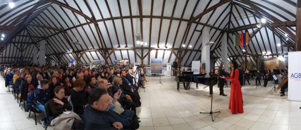 Примата на арменската опера Хасмик Харутюнян завладя сърцата на публиката