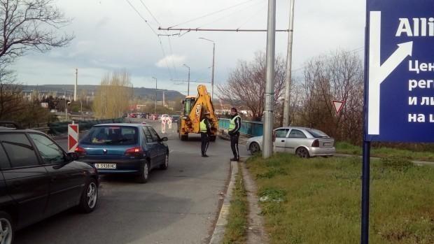 Снимка: Важно! Ограничават движението по подхода към Аспарухов мост в посока Варна