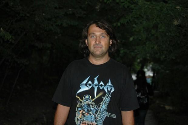 Снимка: Теодор Николов се възстановява след зловещия взрив на газова бутилка