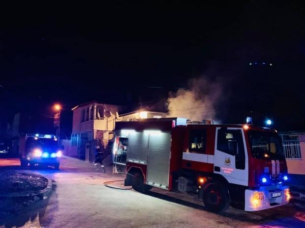 Снимка: Пожар остави семейство с детенце от Варна на улицата само с дрехите на гърба им
