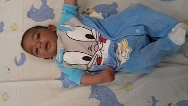 Арестуваха бащата, изоставил бебето си на паркинг в Пловдив!