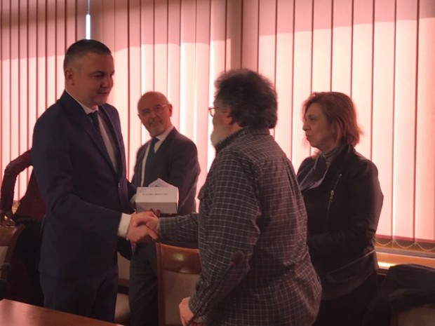Иван Портних връчи днес официално печатите на РИМ – Варна,