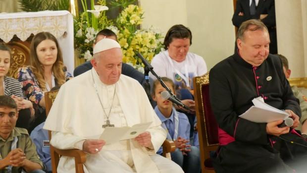 Николай коментира остро посещението на римския папа Франциск в България.