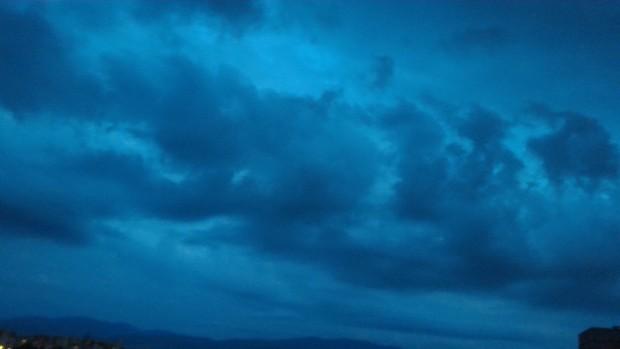 Над планините ще е предимно облачно. Ще има валежи от