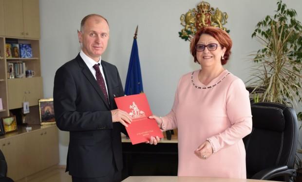 Преизбраният председател на Варненски окръжен съд Марин Маринов официално встъпи