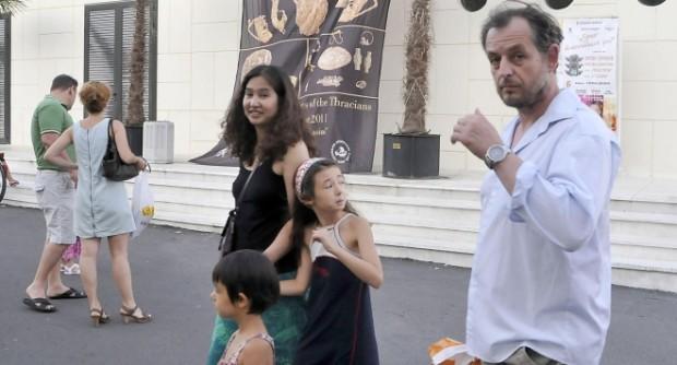 Актьорът Михаил Билалов официално се разведе.