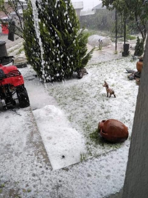 Градушка е съсипала ниви и градини в монтанското село Горна