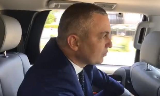 Премиерът Бойко Борисов повози кмета на Варна Иван Портних. По