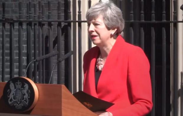 Британският премиер Тереза Мей ще подаде оставката си като председател