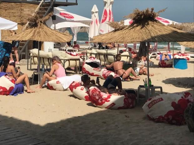 Varna24.bg Първите групи туристи превзеха Варна, видя репортер на Varna24.bg.Тълпи