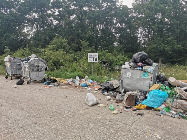 Снимка: Данъкоплатци от Варненско алармират: Екологична заплаха и зарази ни дебнат от години!