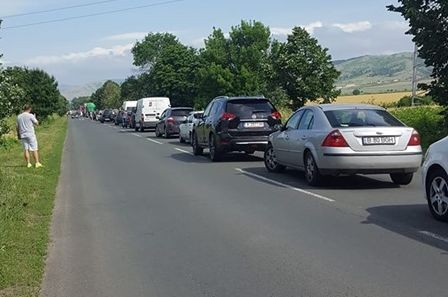 Верижна катастрофа между три автомобила затапи пътя Бургас - Айтос,