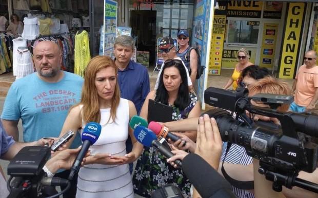 Министърът на туризма Николина Ангелкова се включи в проверка на