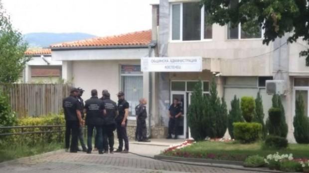 Канал 3Заедно с кмета на Костенец Радостин Радев е задържан