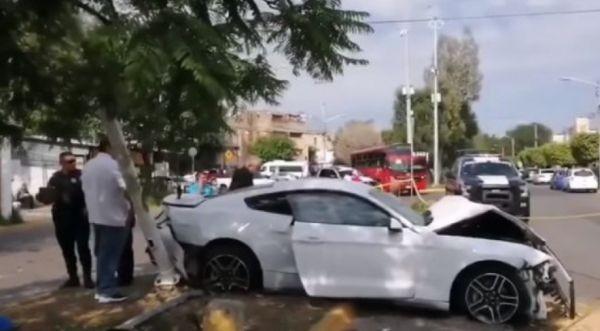 Двама души са загинали в катастрофа с участието на мексиканския
