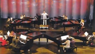 >8 рояла, 16 пианисти, 32 ръце ще изнесат 4 концерта