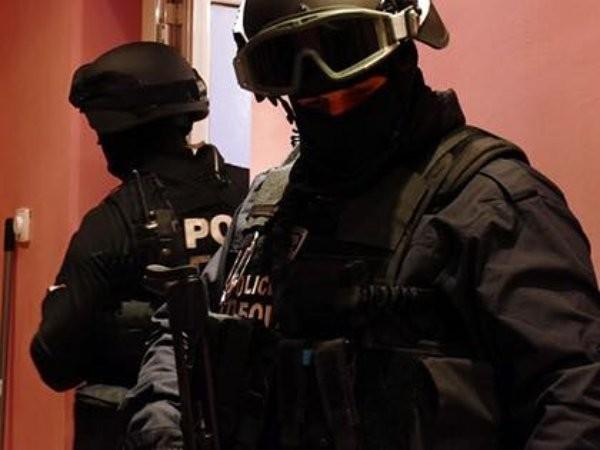 Снимка: Разбиха работилница за скимиращи устройства в съвместна акция с френската полиция