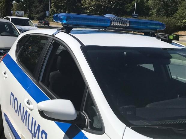 Вследствие на инцидента са пострадали жена на 30-години, возеща се