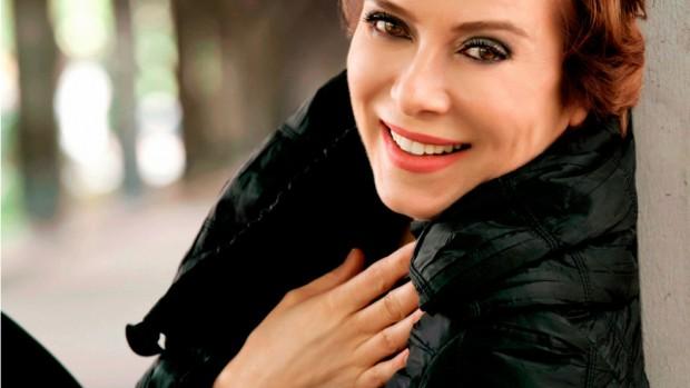 Снимка: Изпращат известна турска актрисата в затвора за обида на Ердоган