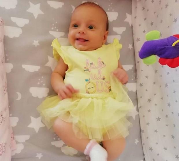 Снимка: Състоянието на бебенцето Калина се влоши, родителите й очакват дата за операцията
