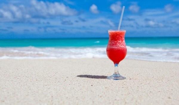 Снимка: Очаква ни слънчева и гореща неделя, използвайте времето за плаж и разходки