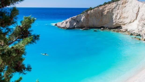 Снимка: Защо все повече българи предпочитат гръцкото море? Сравниха цените