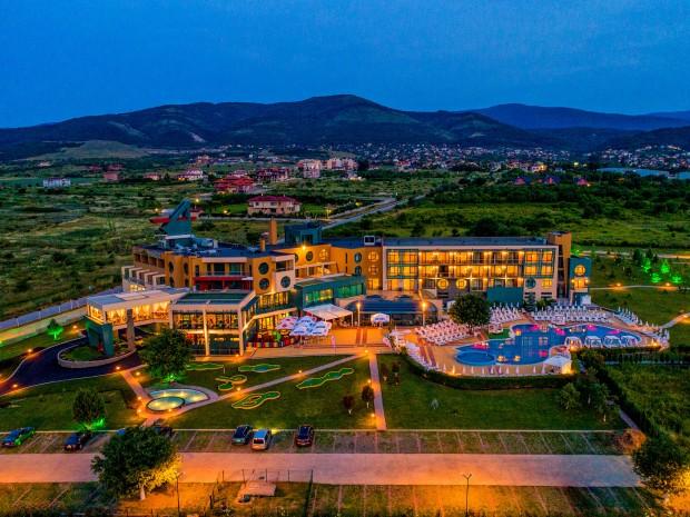 Снимка: Световноизвестният цигулар Светлин Русев избра да гостува в СПА Хотел край Пловдив