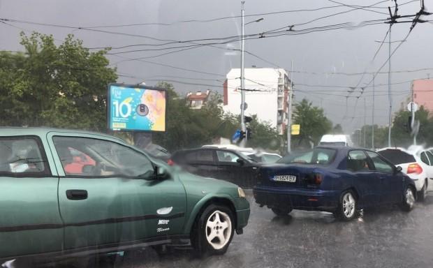 Снимка: Забраняват коли с десен волан у нас!