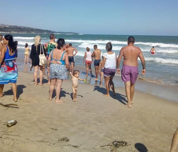 Varna24.bg Бурното море погълна 14-годишно момиче на централния плаж във