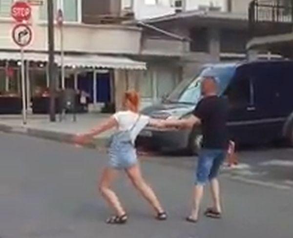 Снимка: Пияна украинска двойка взриви Несебър с изпълнението си