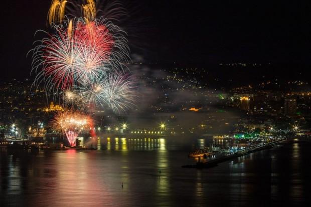 За първи път многоцветната заря по случай празника на Варна
