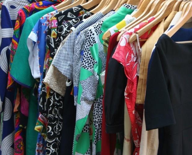 Снимка: Конфискуваха дрехи менте за 83 000 лв. в курортите край Варна