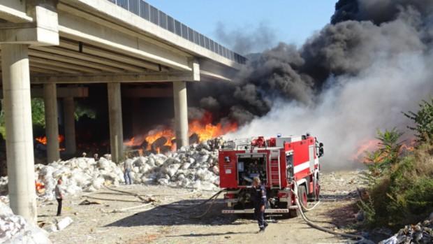 Снимка: Собственикът на горялото депо под АМ
