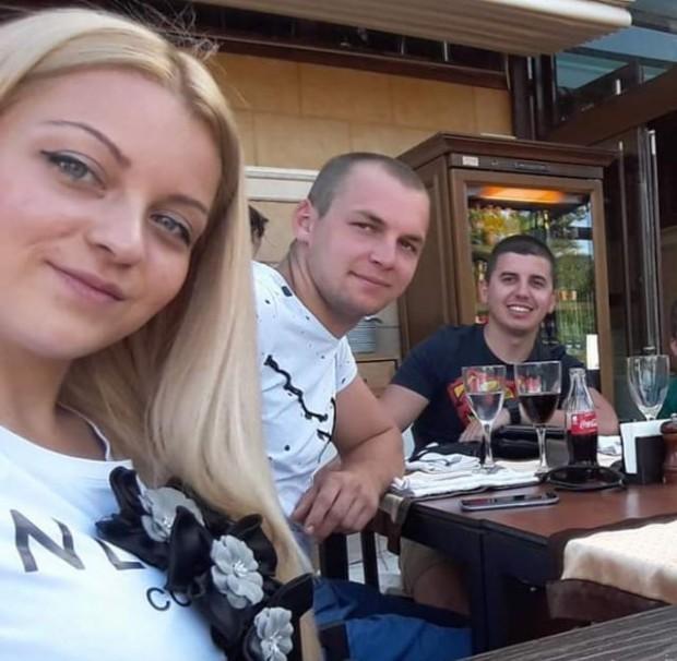 ФейсбукДвете момчета, Атанас Атанасов иРадослав Петров от Сливен, все още