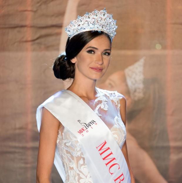 Румяна Данаилова бе избрана за Мис Варна 2019, сред двадесет