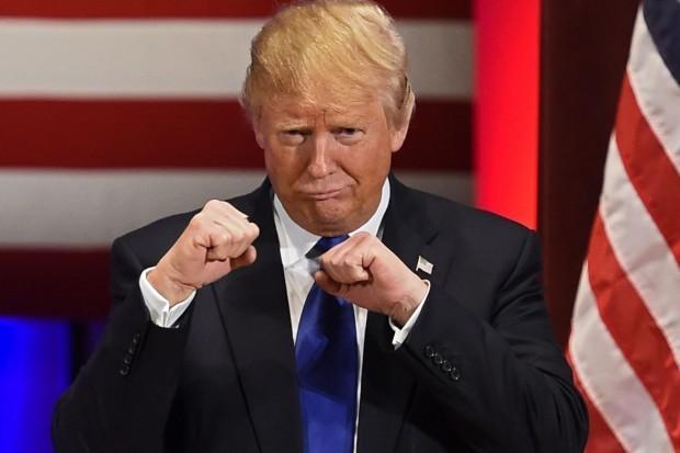 Президентът Доналд Тръмп предложил да се хвърлят ядрени бомби срещу