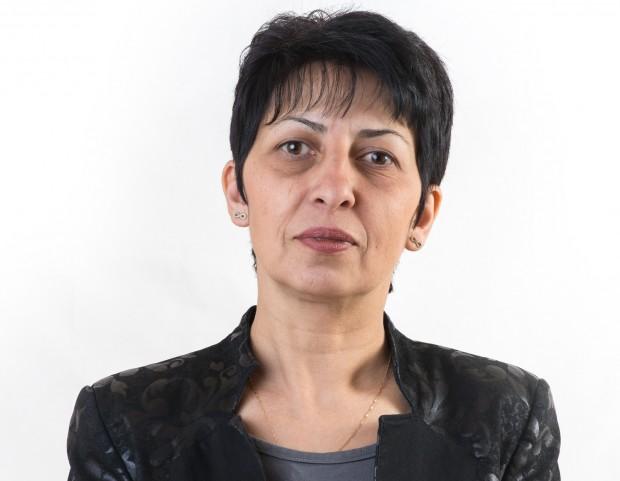 Народният представител от Парламентарната група на ГЕРБ Нели Петрова ще