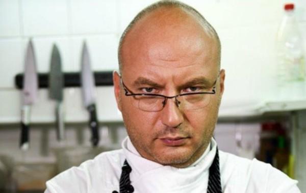 Снимка: Цар на скандала: Устатият шеф Петров за пореден път съсипа колегата си Манчев с критика