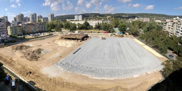 Фейсбук Напредва изграждането нановия спортен комплекс на ул.