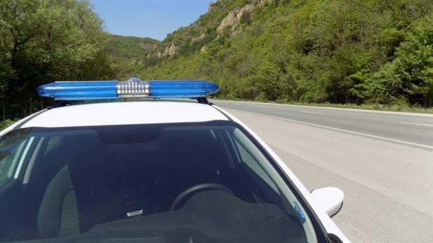 Жена загина след сблъсък между два автомобила на главния път