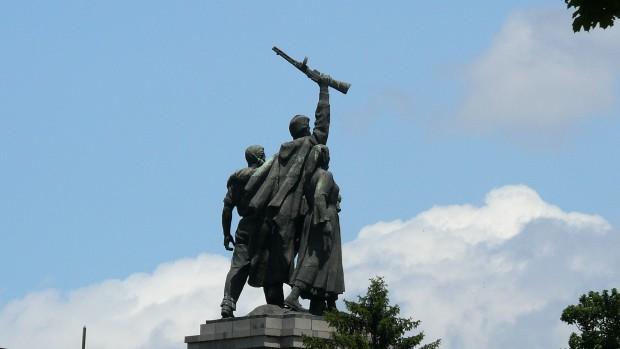 България предава собствената си история. Официална София не иска да