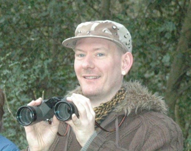 Британски престъпник е засечен от журналист от Острова да живее