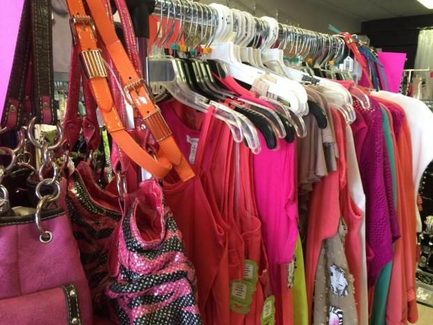 КЗП със съвети за капаните на летните разпродажби:Тази рокля наистина