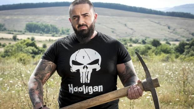 Иван Милин, който удари шамар на друга участничка в приключенското