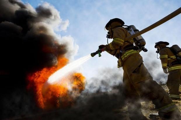 Снимка: Жена почина при пожар във фургон