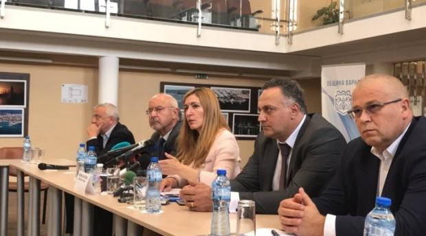 Снимка: Ръст на българи в курортите по морето и загуби за милиарди от отлива на чужденци