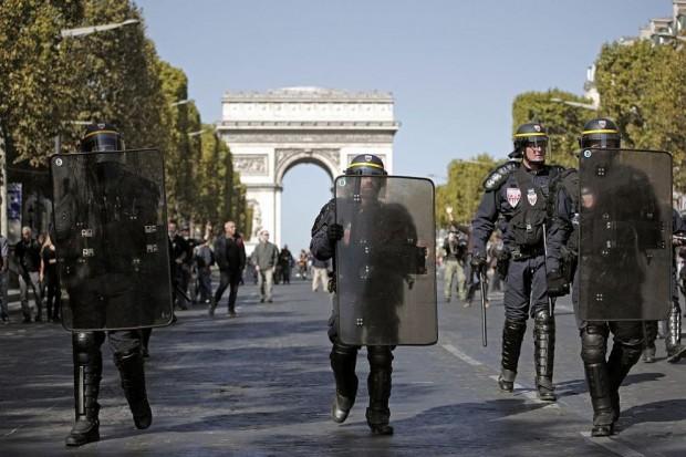 Снимка: Нови масови протести на жълтите жилетки в Париж